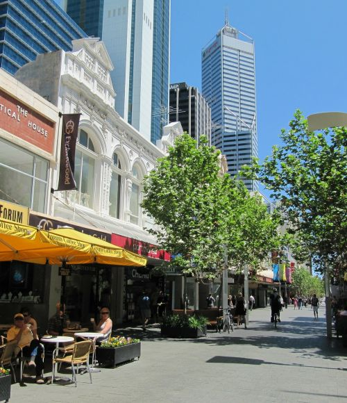 Shopping street scene in Perth
